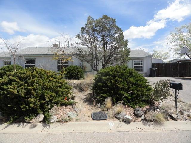 911 Foraker Road SE, Rio Rancho, NM 87124