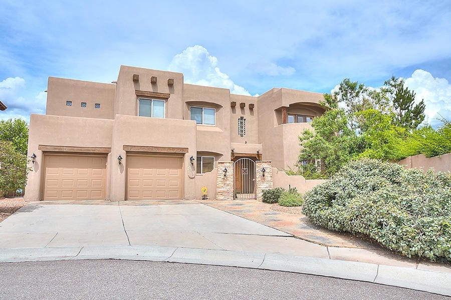 8220 Desert Poppy Lane NE, Albuquerque, NM 87122