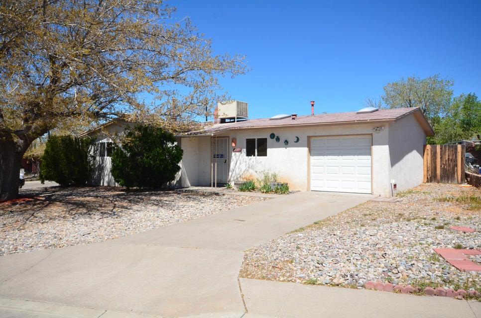 11717 Marquette Avenue NE, Albuquerque, NM 87123
