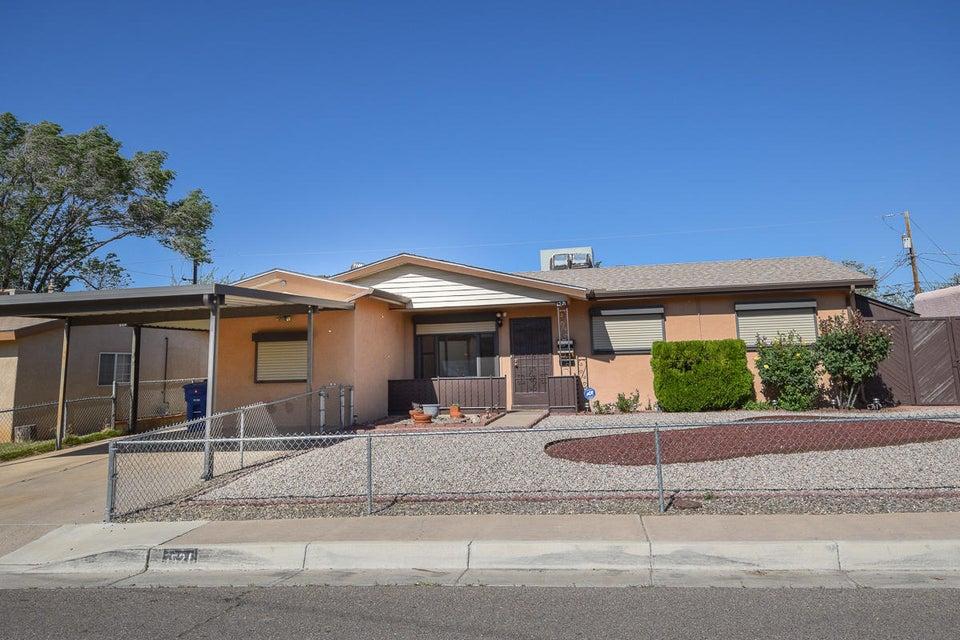 1521 Tomasita Street NE, Albuquerque, NM 87112