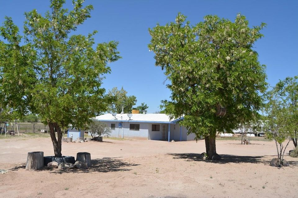 331 La Entrada Road, Los Lunas, NM 87031