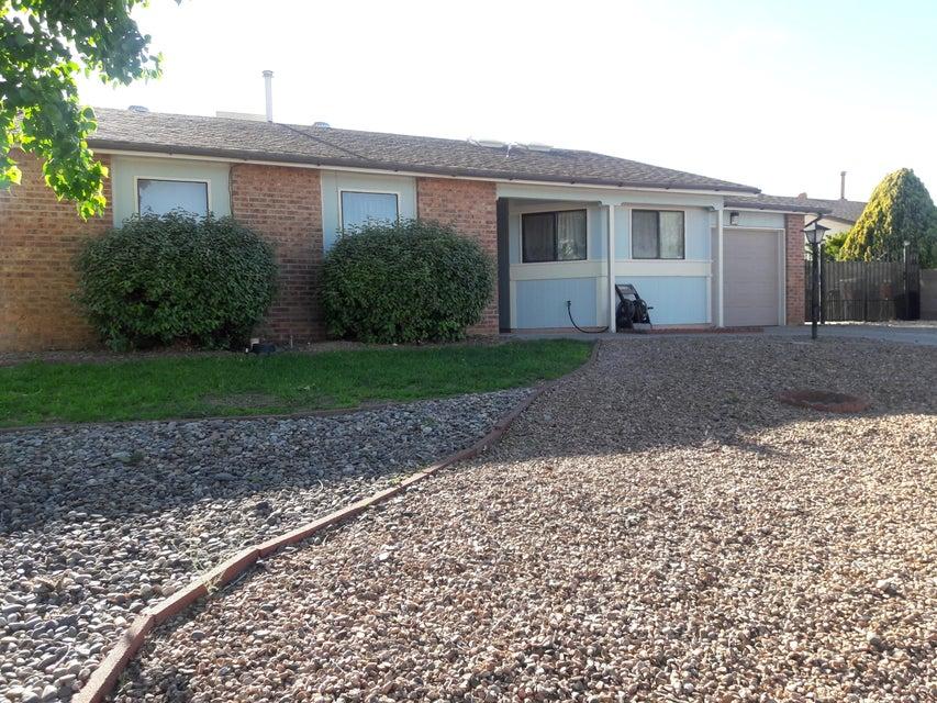 136 Pumice Loop NE, Rio Rancho, NM 87124