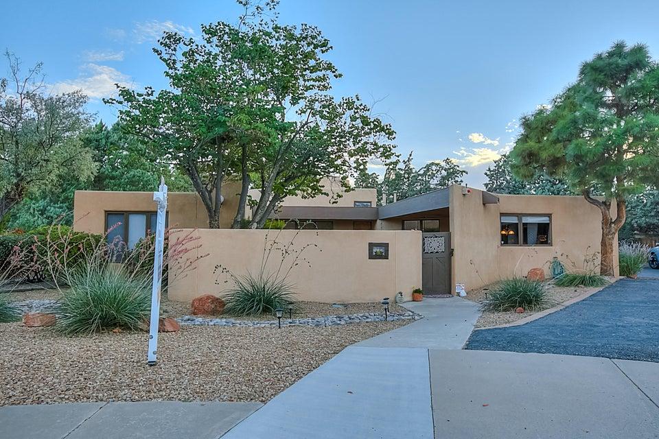 3505 La Sala Redonda NE, Albuquerque, NM 87111