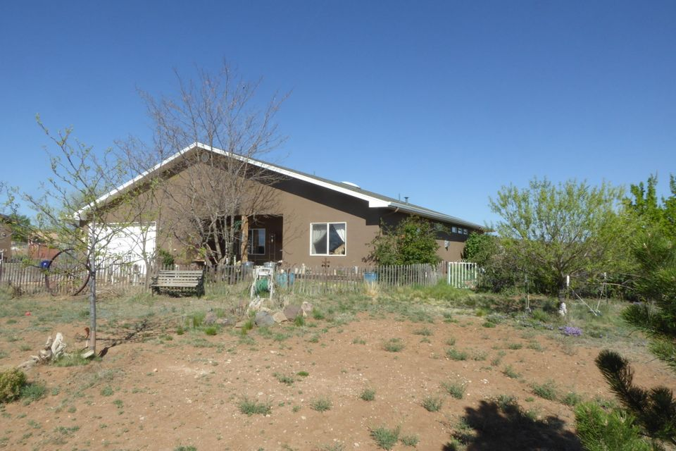7 Blue Jay Way, Edgewood, NM 87015