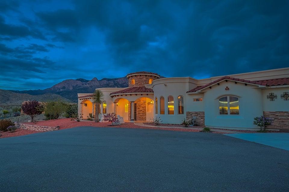 10896 NE Elena Drive NE, Albuquerque, NM 87122