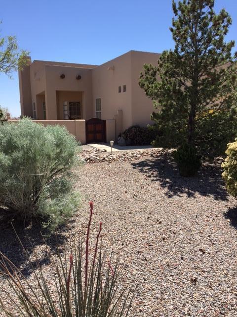 4000 WHISTLER Avenue NW, Albuquerque, NM 87114