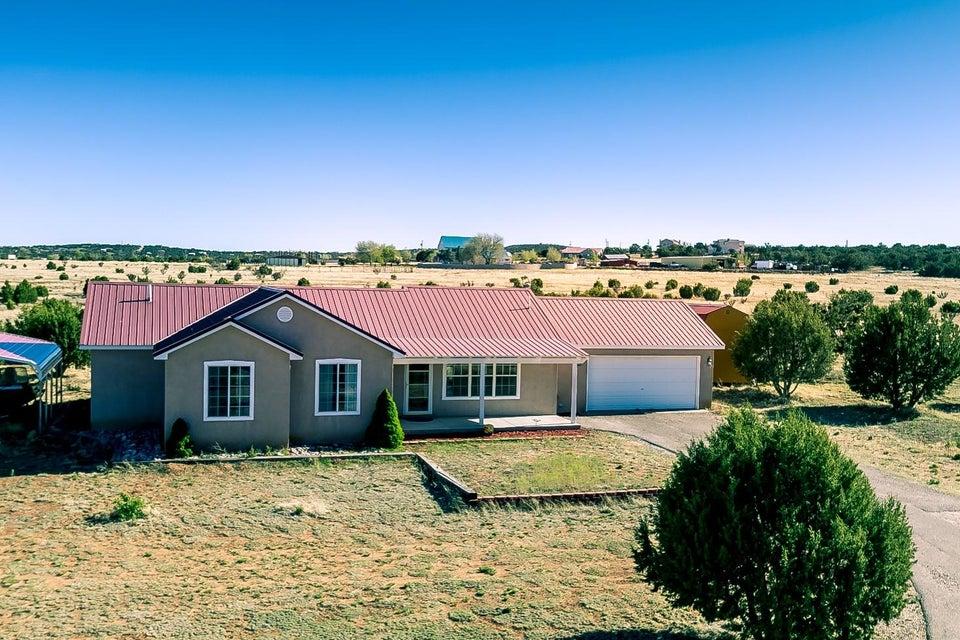 32 Pinto Road, Edgewood, NM 87015