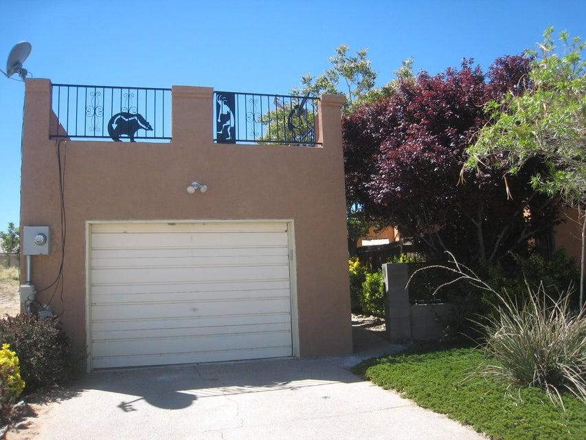 1661 Cliffside Drive NW, Albuquerque, NM 87105