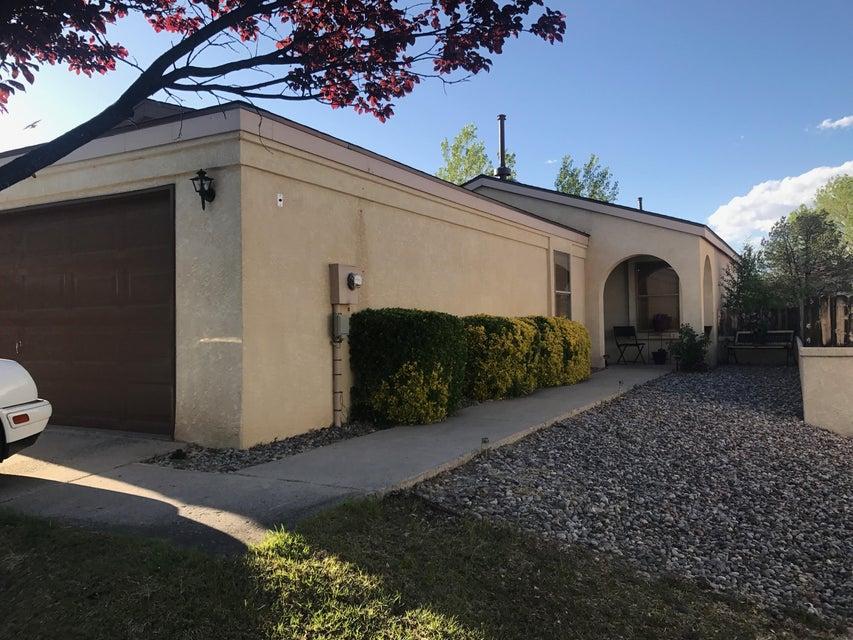 1793 Ira Drive NE, Rio Rancho, NM 87144
