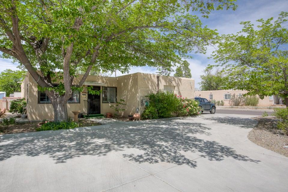 725 Laguayra Drive NE, Albuquerque, NM 87108