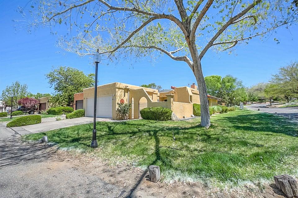 620 Meadow Green Court SE, Albuquerque, NM 87123