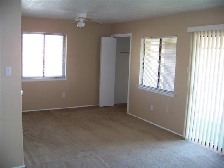 901 Country Club Drive SE APT F, Rio Rancho, NM 87124