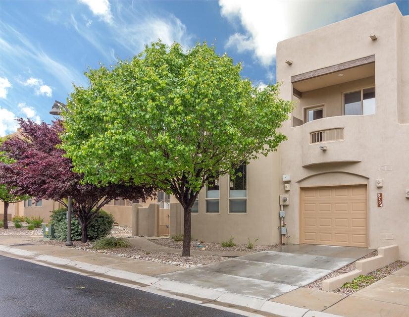 8724 Desert Fox Way NE, Albuquerque, NM 87122