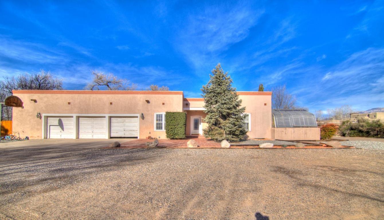1201 Bona Terra Loop NW, Albuquerque, NM 87114