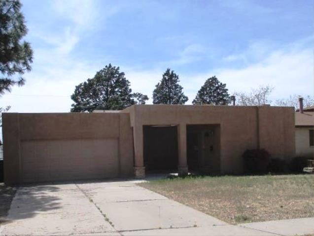11812 Holiday Avenue NE, Albuquerque, NM 87111