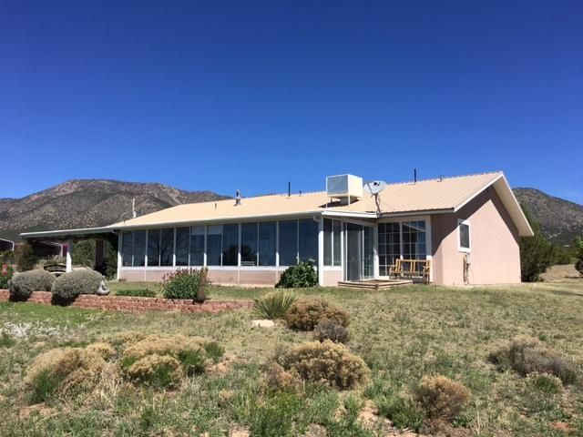 786 State Road 344, Edgewood, NM 87015