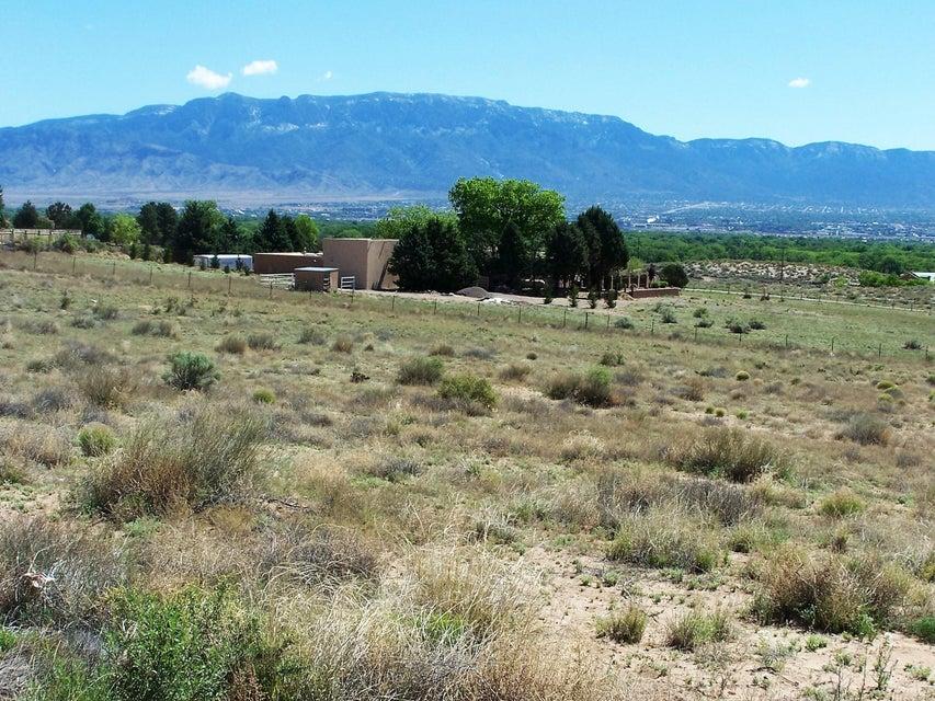 6424 Camino Del Arrebol NW, Albuquerque, NM 87120