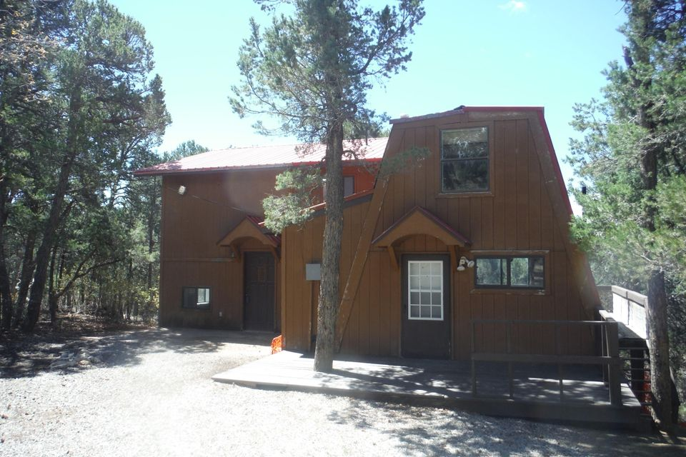 76 Big Dipper Road SE, Tijeras, NM 87059
