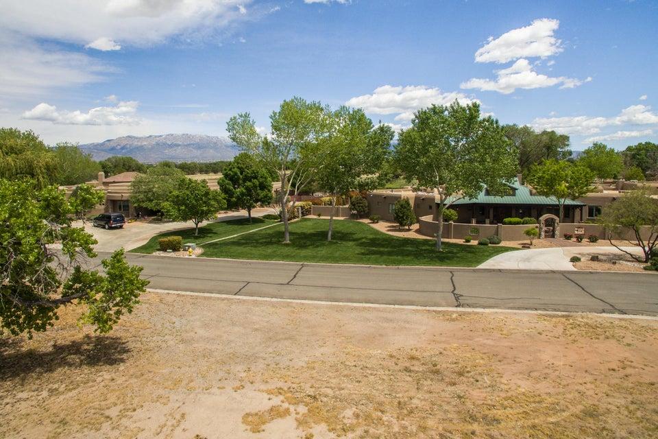 4627 Los Poblanos Circle NW, Los Ranchos, NM 87107