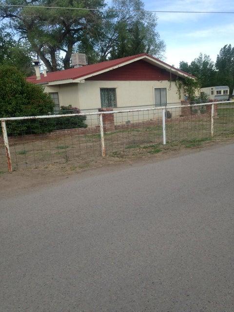 58 Tavalopa Court, Los Lunas, NM 87031