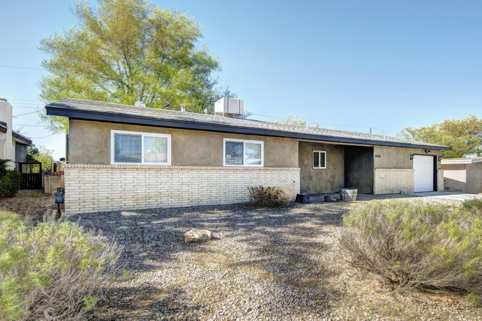 11608 Hughes Avenue NE, Albuquerque, NM 87112