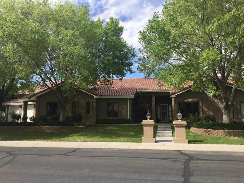 10117 Masters Drive NE, Albuquerque, NM 87111