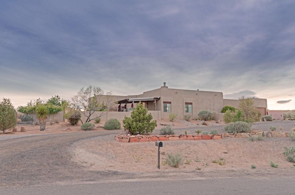 601 Acebo Road NE, Rio Rancho, NM 87124