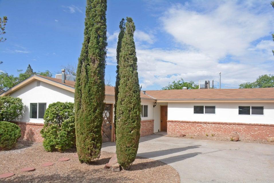 1709 Vassar Drive SE, Albuquerque, NM 87106
