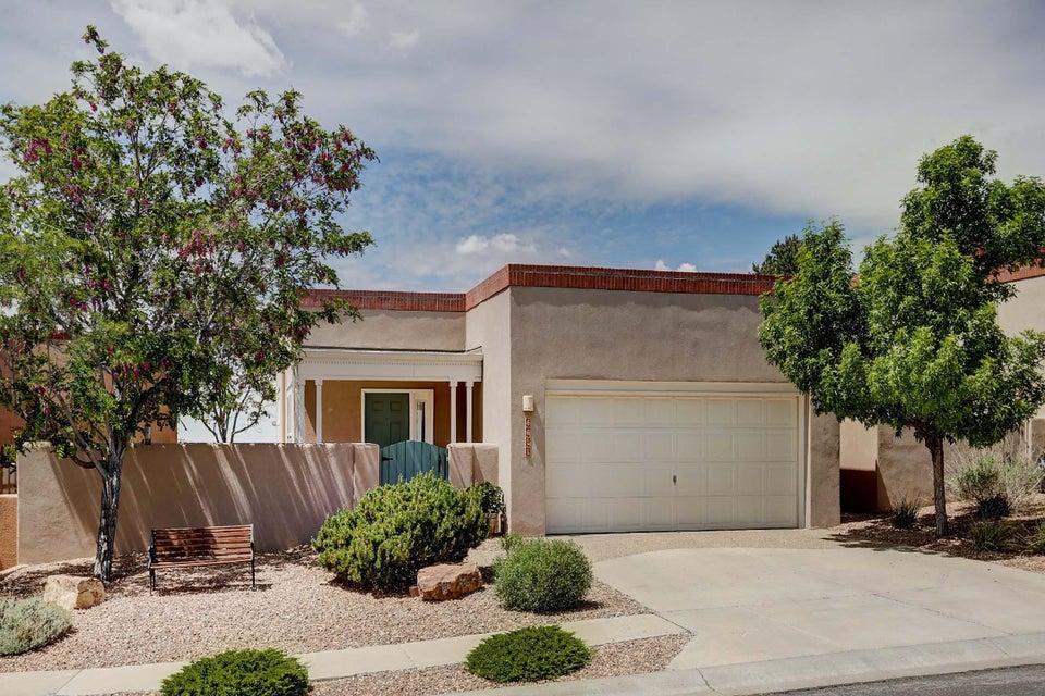 5611 Bosque Vista Drive NE, Albuquerque, NM 87111
