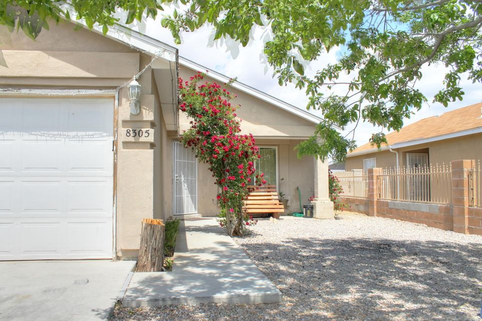 8305 Bay Mare Avenue SW, Albuquerque, NM 87121