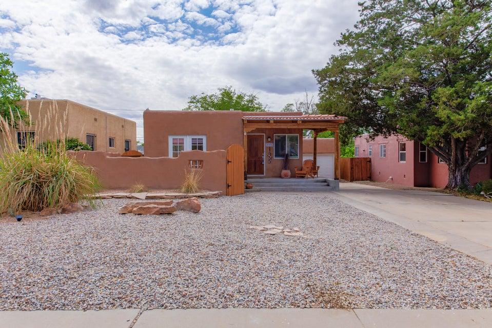 413 Amherst Drive SE, Albuquerque, NM 87106