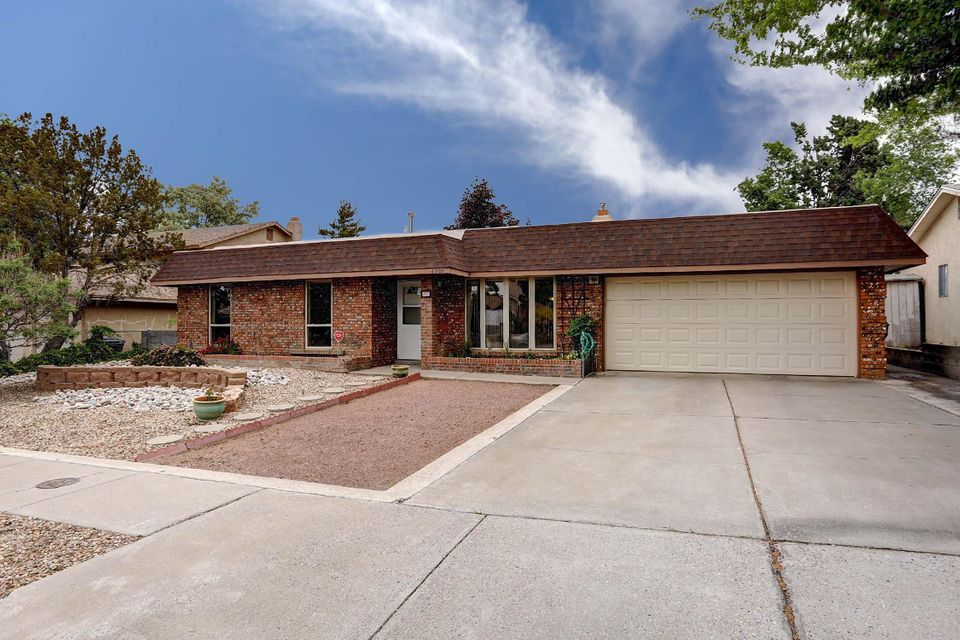 6809 Christy Avenue NE, Albuquerque, NM 87109