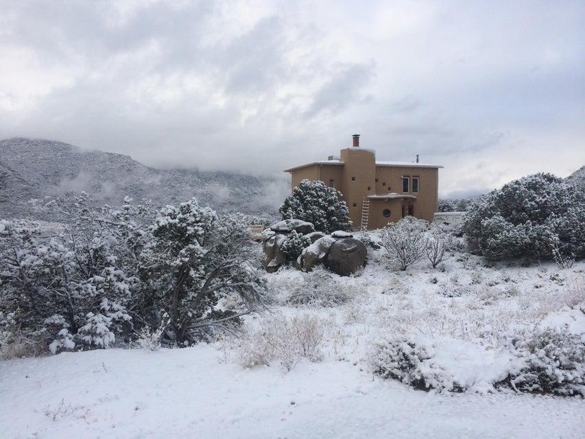 45 Caballo De Fuerza Road, Albuquerque, NM 87123