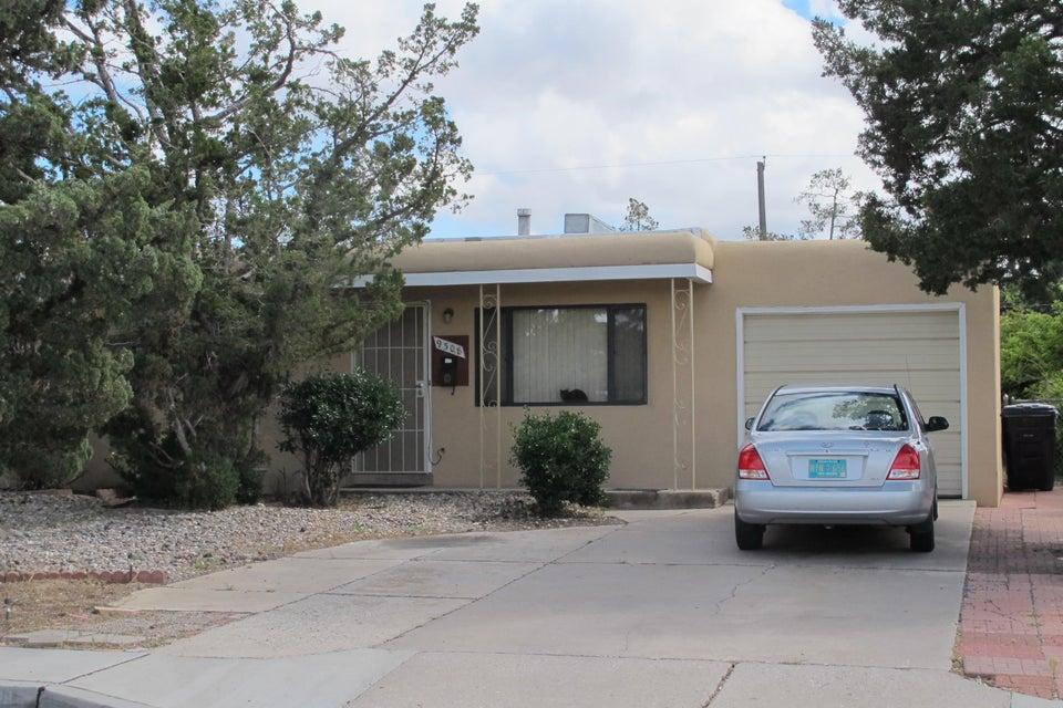9308 Luthy Circle NE, Albuquerque, NM 87112
