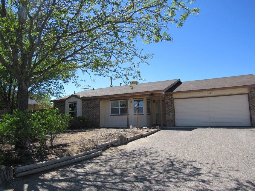 507 Apache Loop SW, Rio Rancho, NM 87124
