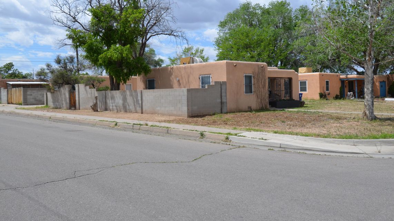 5320 NE Rosemont Avenue NE, Albuquerque, NM 87110