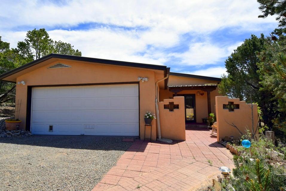 4 Cabana Drive, Tijeras, NM 87059