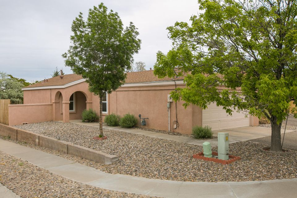 1644 Evelyn Drive NE, Rio Rancho, NM 87144