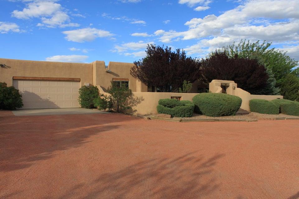 5709 NE Rio Mimbres Road NE, Rio Rancho, NM 87144