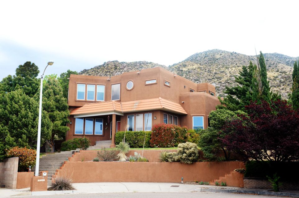 2524 Myra Place NE, Albuquerque, NM 87112
