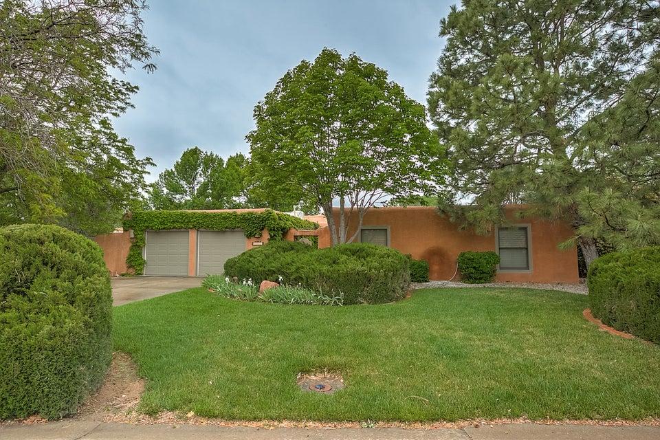 3227 Calle De Estella NW, Albuquerque, NM 87104