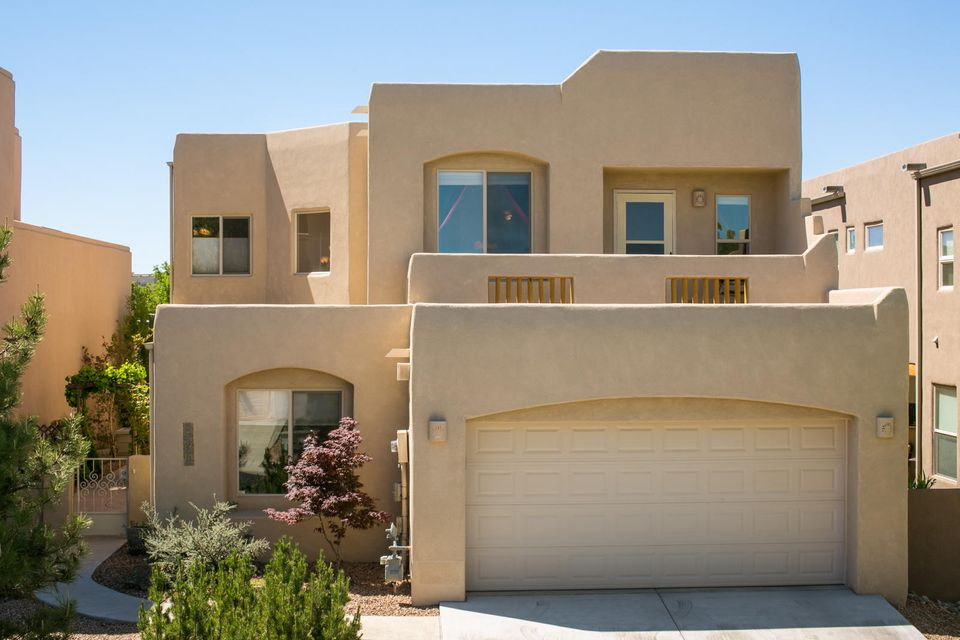 8860 Desert Fox Way NE, Albuquerque, NM 87122