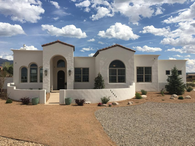 10650 Palomas Avenue NE, Albuquerque, NM 87122