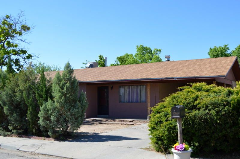 1051 Onate Court SE, Los Lunas, NM 87031