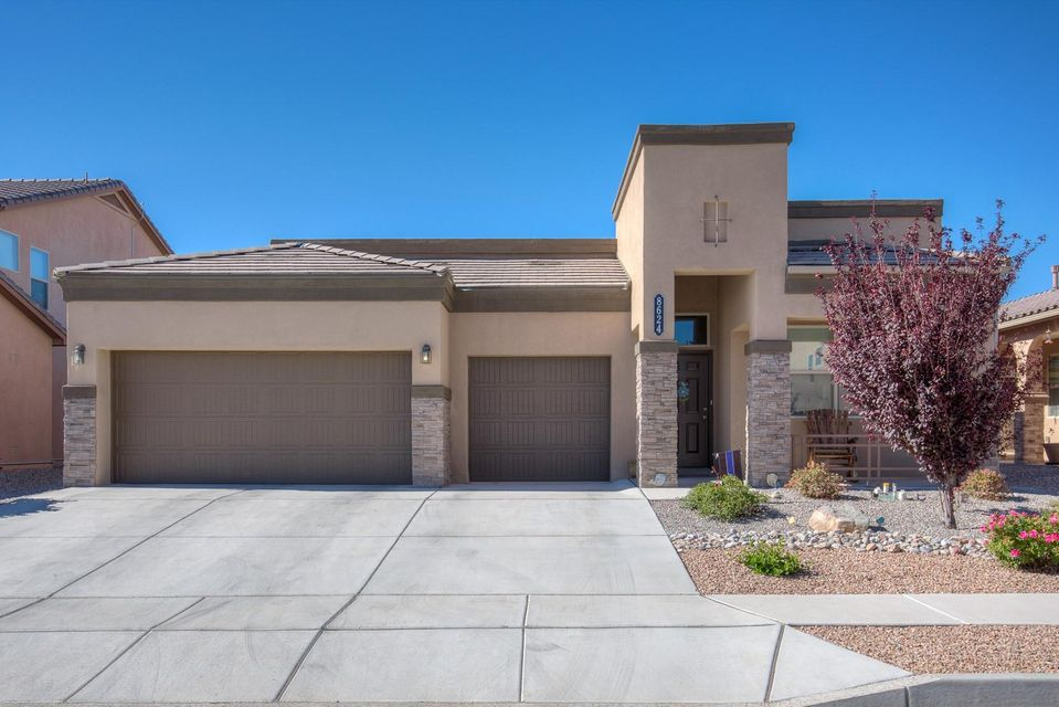 8624 Bouvardia Avenue NW, Albuquerque, NM 87120