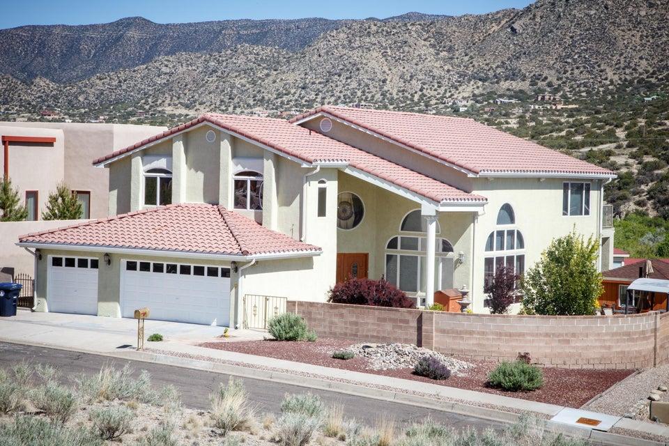 426 Poinsettia Place SE, Albuquerque, NM 87123