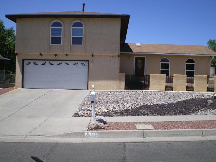 6805 Gisele Drive NE, Albuquerque, NM 87109