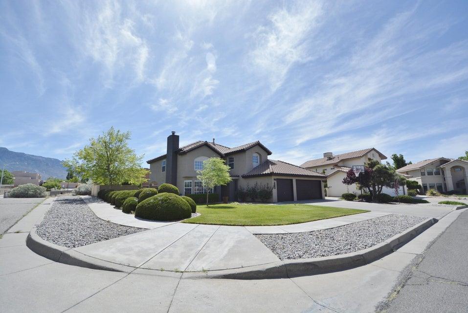 8316 Eagle Rock Avenue NE, Albuquerque, NM 87122