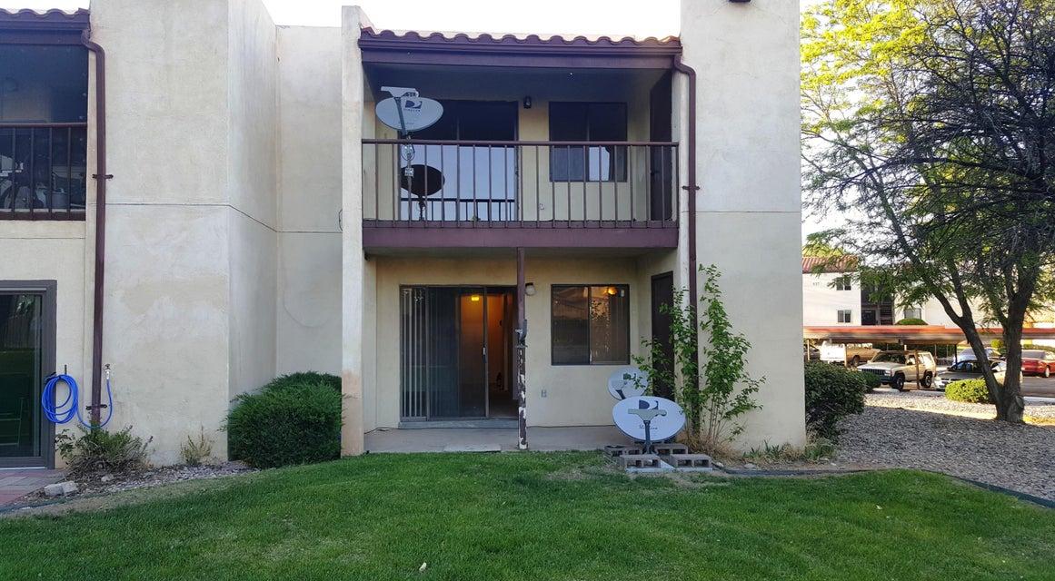 901 Country Club SE A, Rio Rancho, NM 87124
