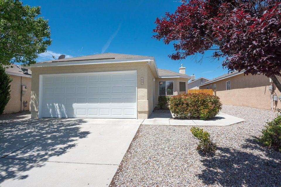 305 Calle Amarillo SW, Albuquerque, NM 87121